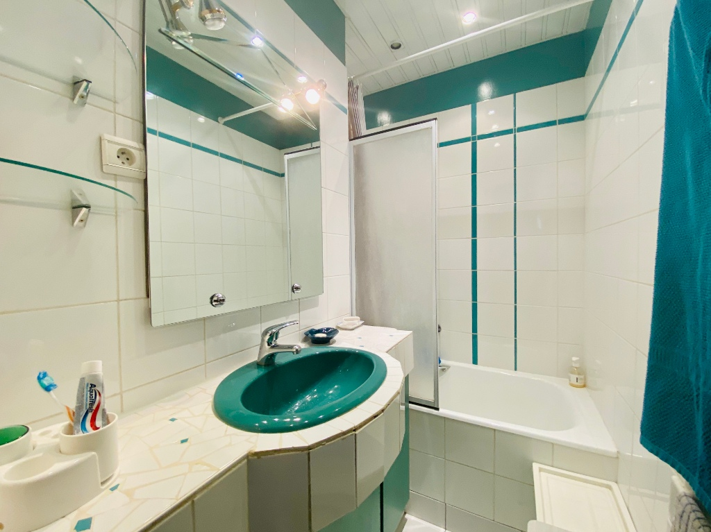 Rue Lamarck Paris 18 – 2 rooms furnished 53 m2 9