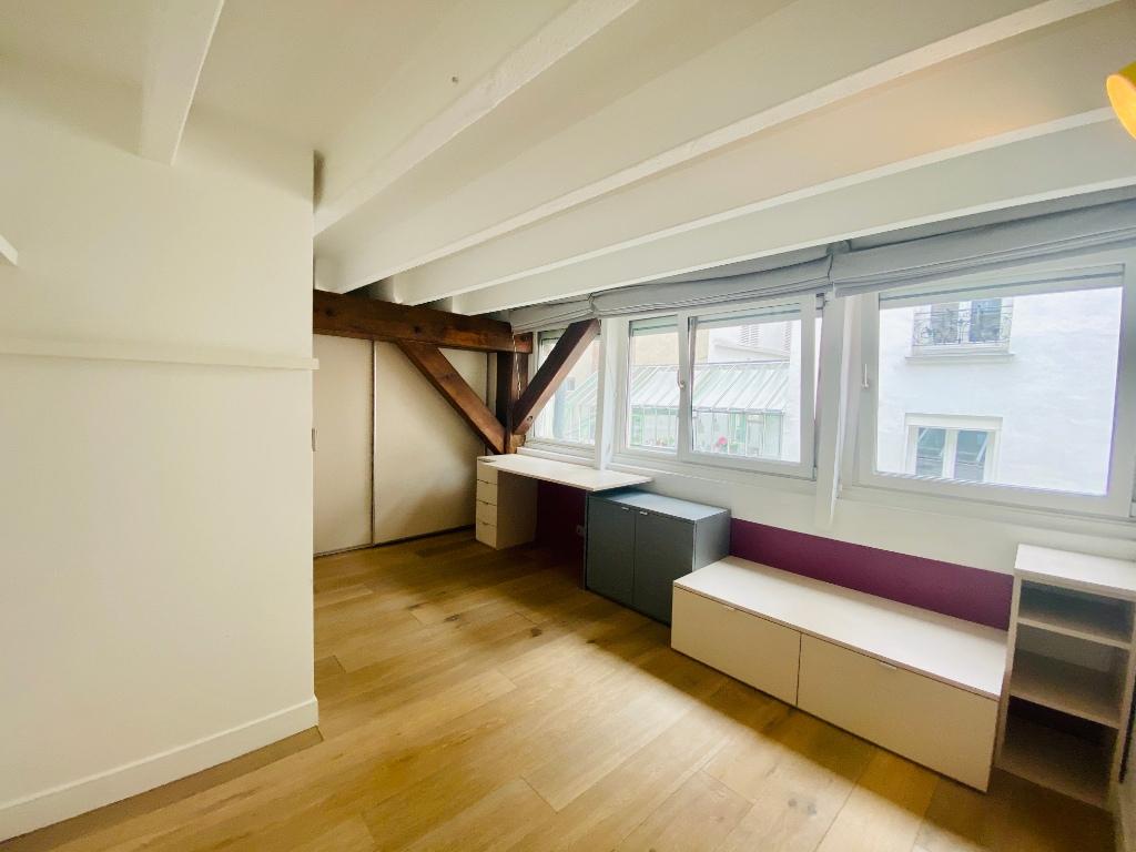 Appartement Paris 4 pièce(s) 106 m2 8
