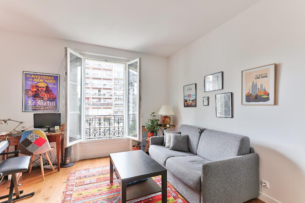 Apartment 75020 2 room (s) 36 m2 1