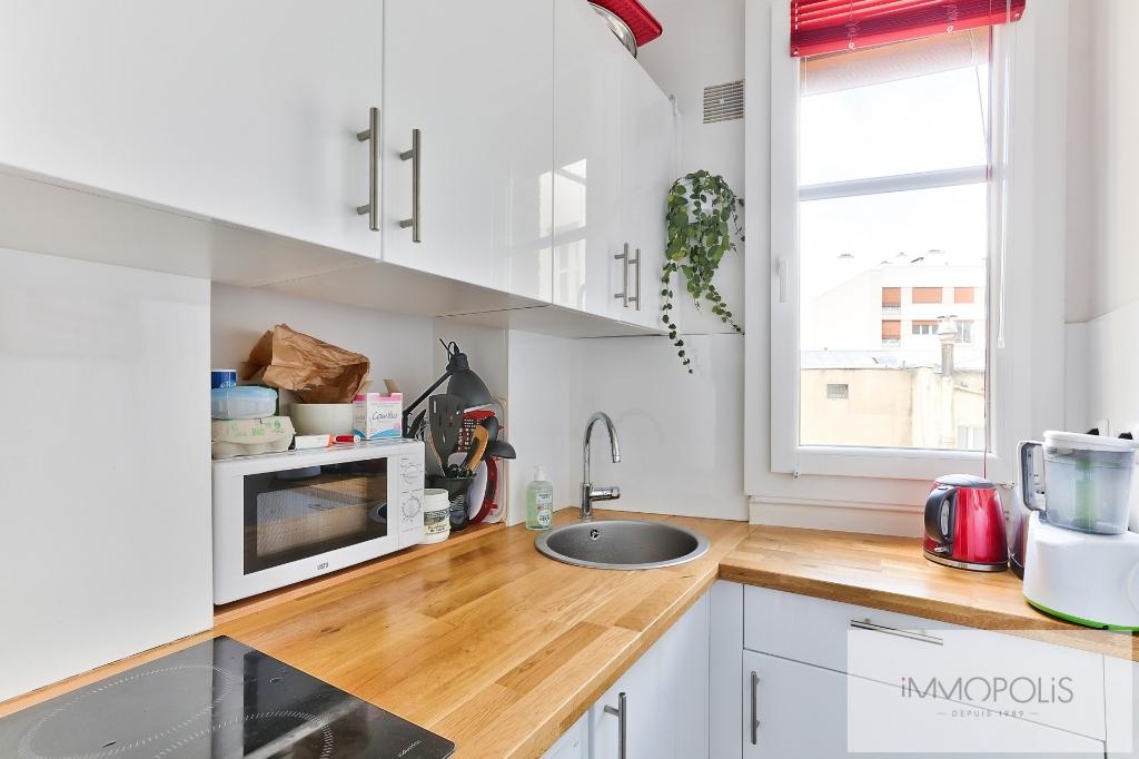 Apartment 75020 2 room (s) 36 m2 4