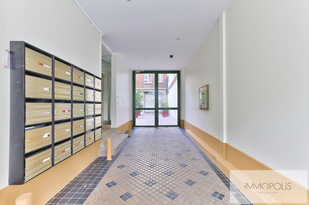 Apartment 75020 2 room (s) 36 m2 7