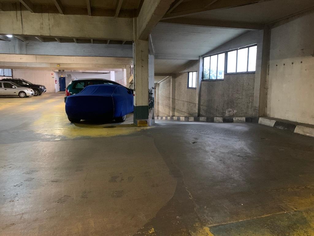 Parking space rue de Chaillot 5
