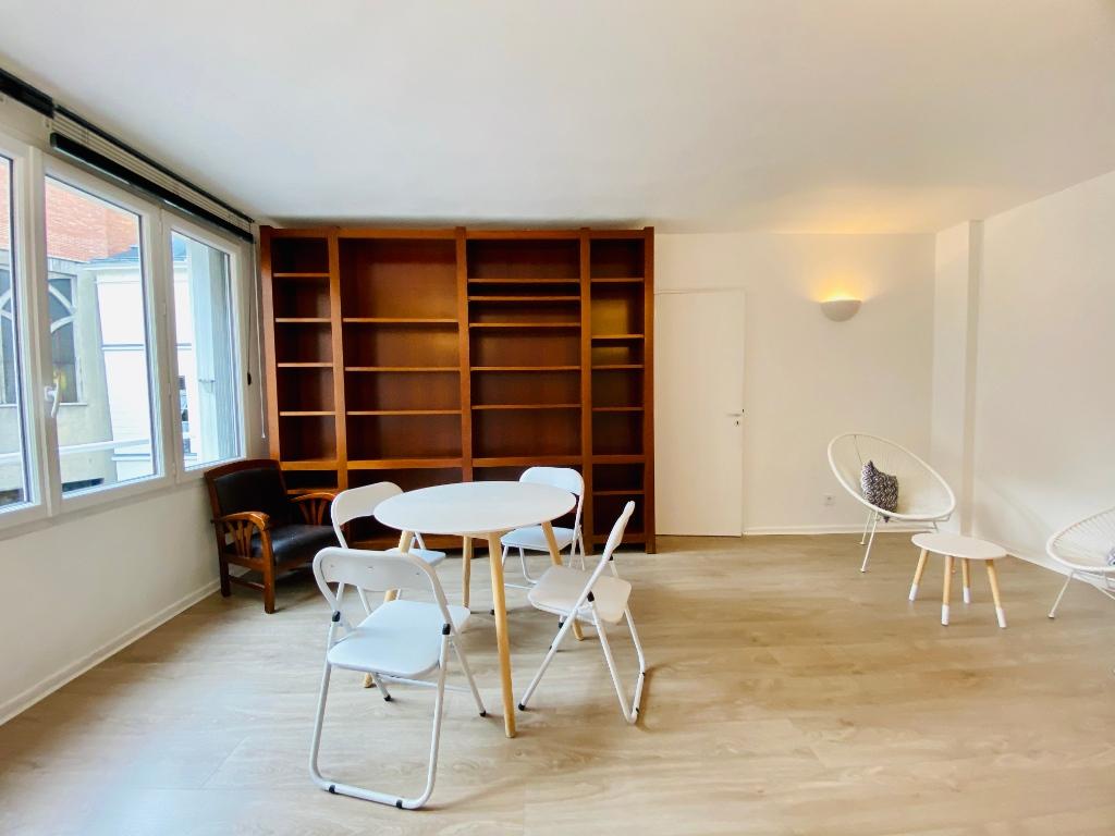 Apartment Montmartre Paris 2 room (s) furnished 50 m2 3