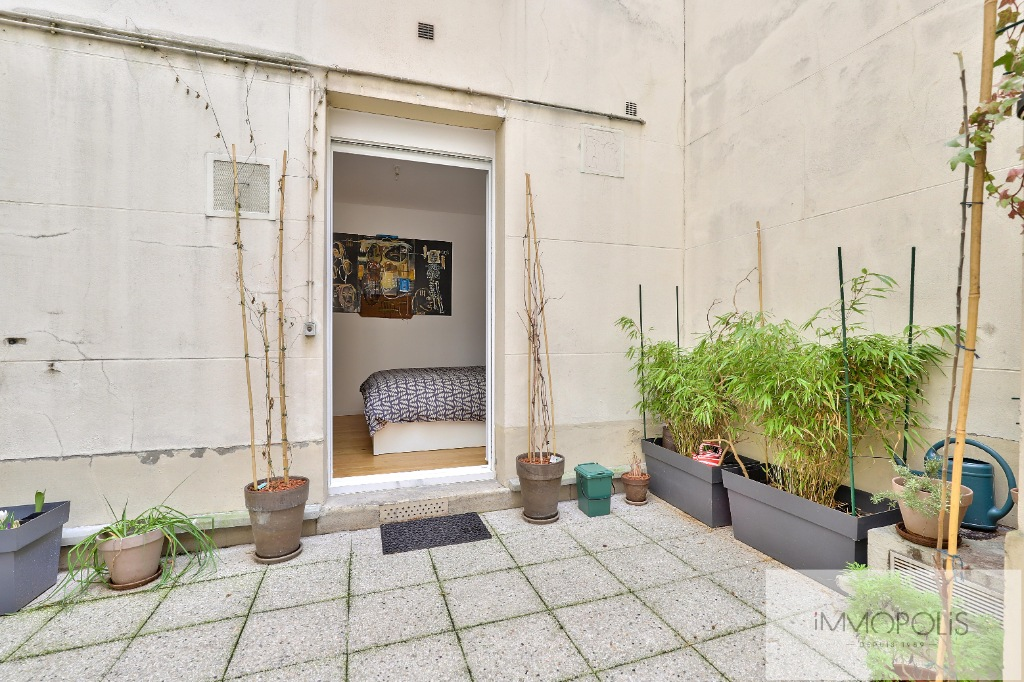 Montmartre Cemetery Beautiful 1 bedroom apartment of 61 m² renovated 11