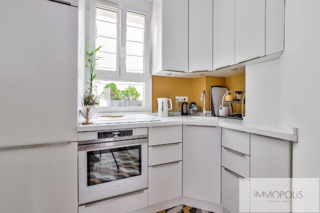 Montmartre Cemetery Beautiful 1 bedroom apartment of 61 m² renovated 8