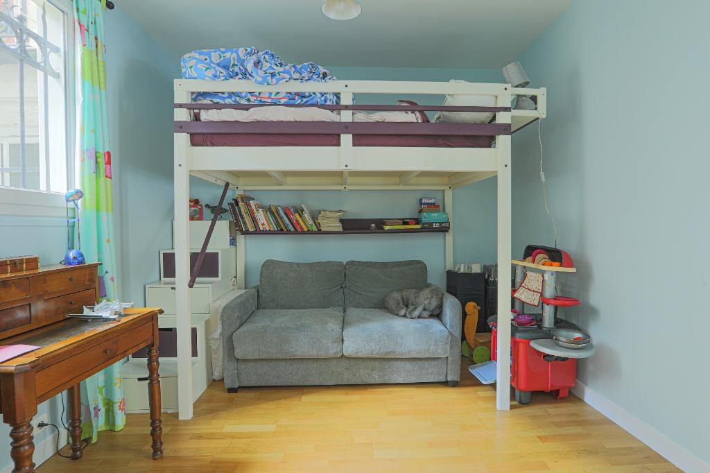 Appartement familial de 218.45 m2 – 4 chambres – 1 terrasse – 1 place de parking 10