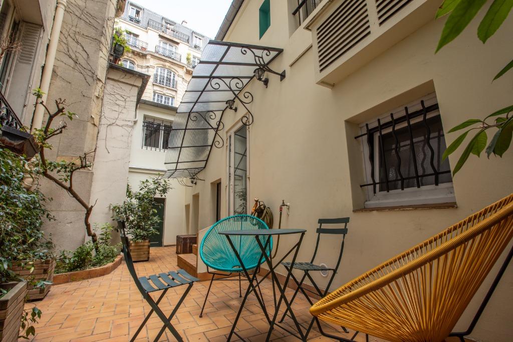 Appartement familial de 218.45 m2 – 4 chambres – 1 terrasse – 1 place de parking 14