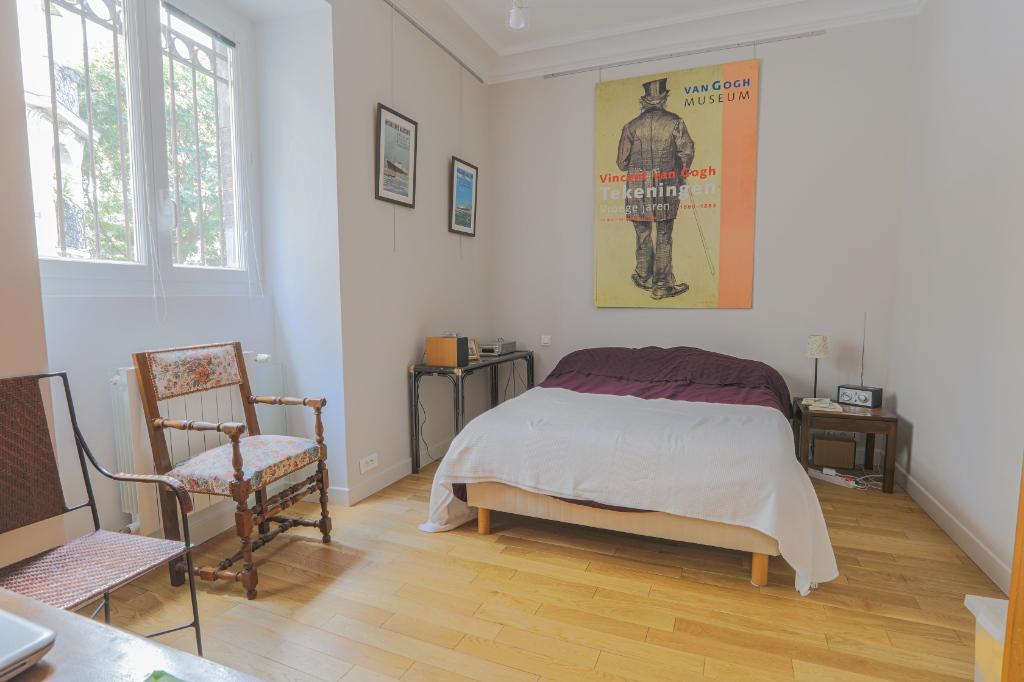 Appartement familial de 218.45 m2 – 4 chambres – 1 terrasse – 1 place de parking 9