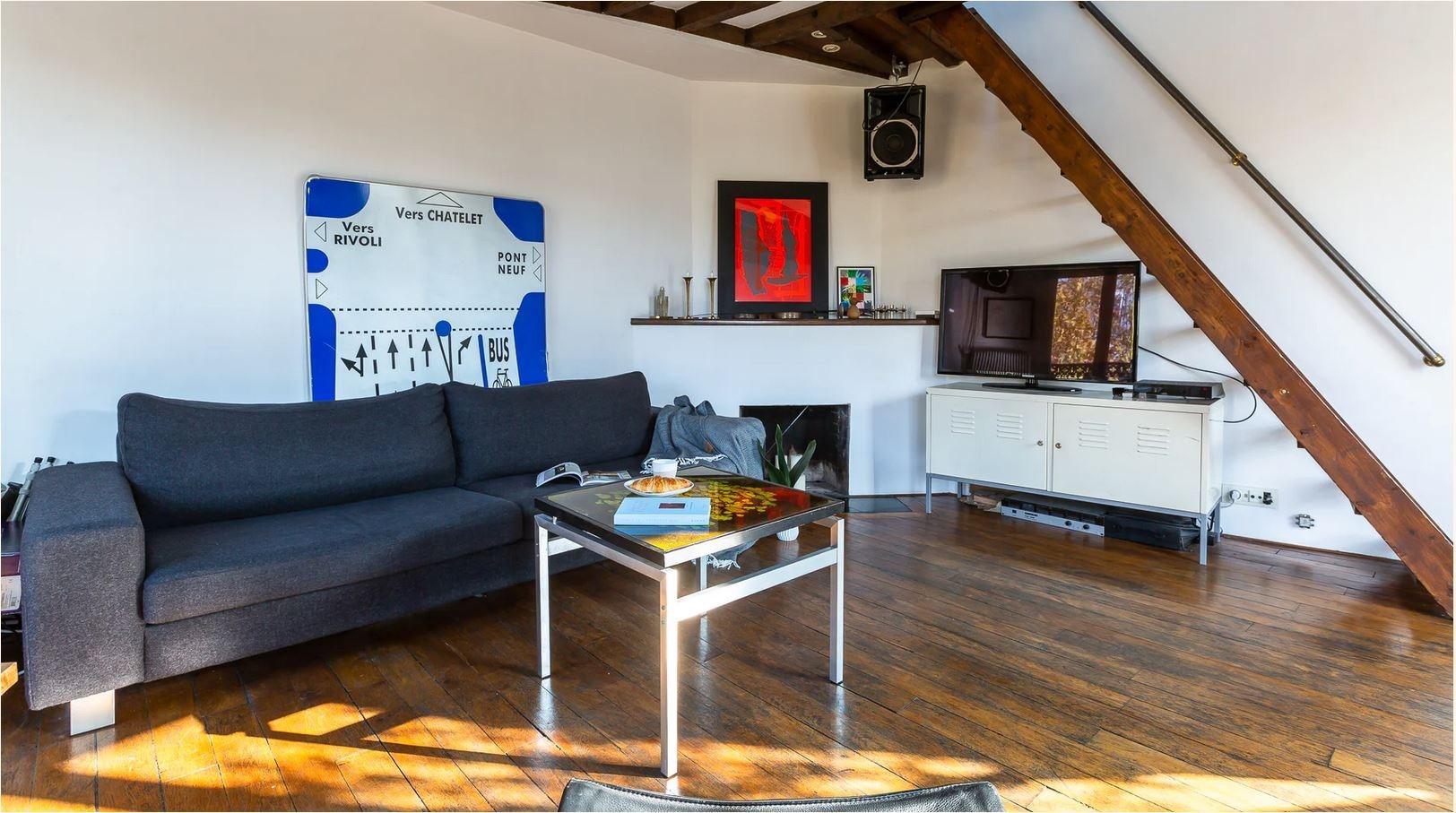Duplex on the last floor 81.43m² (62.41m² Law Carrez) – Balcony of 11.5m² 2