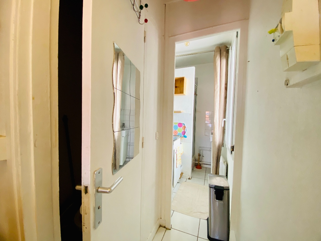 Apartment St Ouen 1 room (s) 18 m2 9