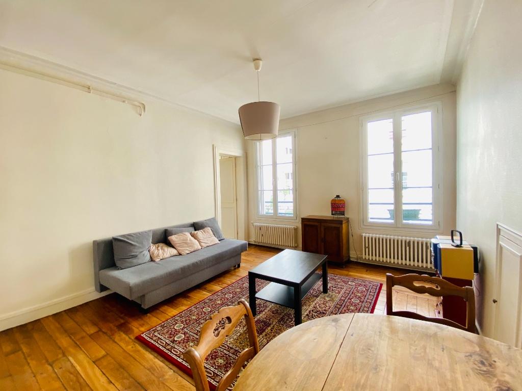 Appartement 2 pièces 44m²  – Meublé – Paris 18ème 1