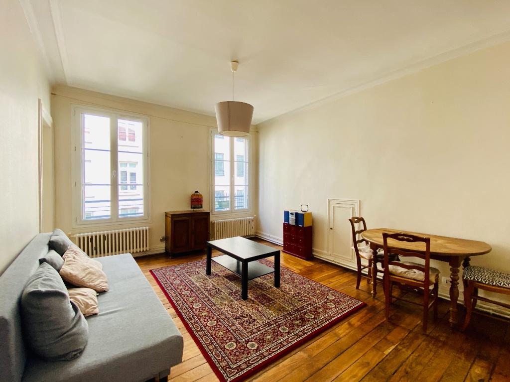 Appartement 2 pièces 44m²  – Meublé – Paris 18ème 4