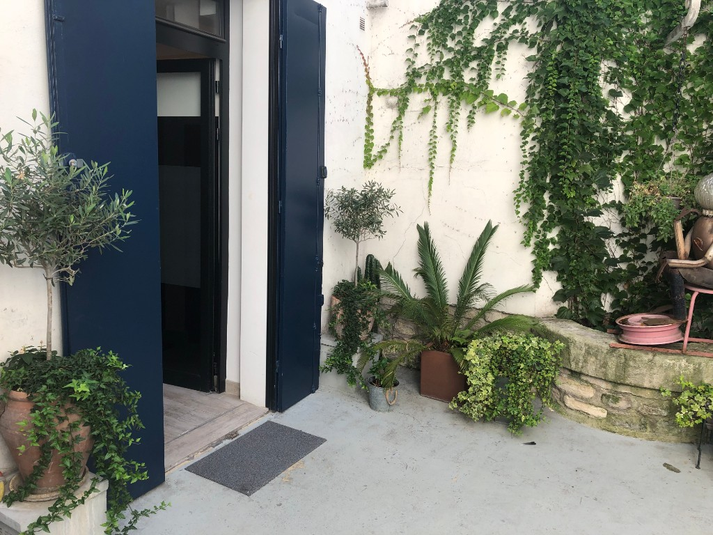 Superb Batignolles 2 rooms with commercialization 8