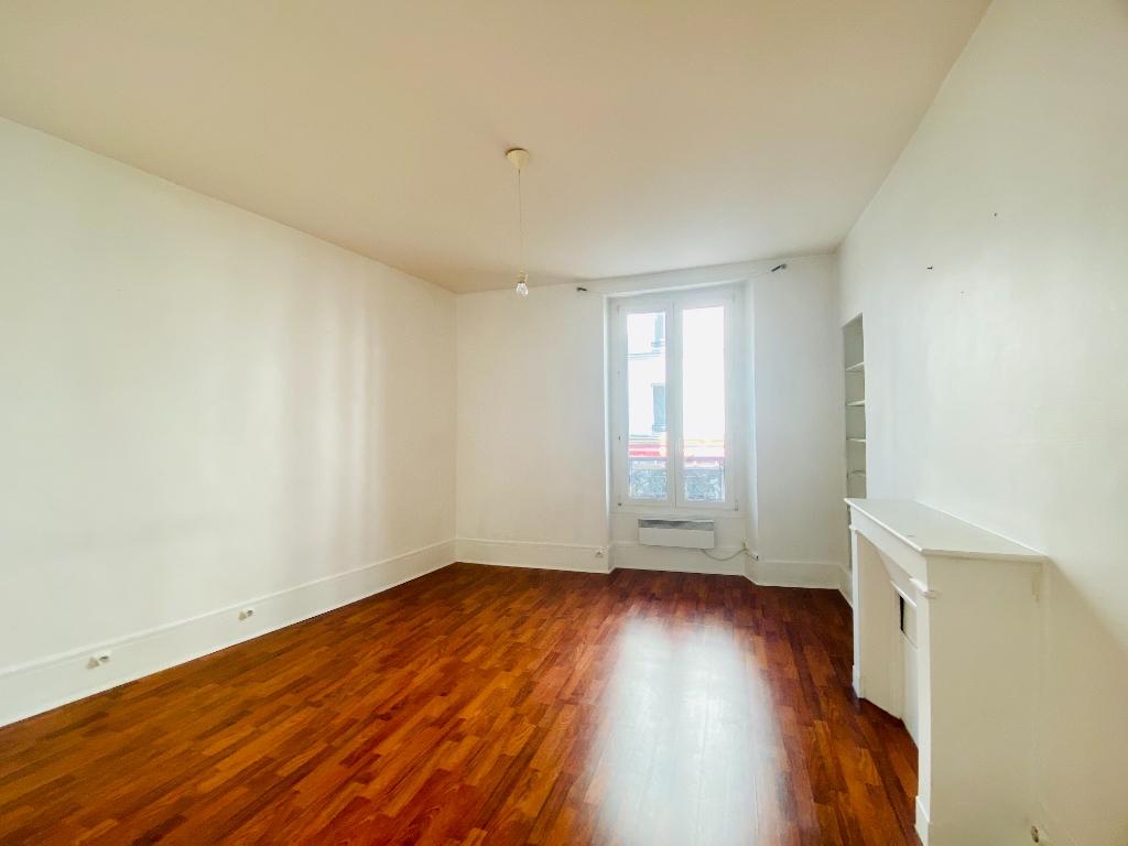 Appartement Paris 2 pièce(s) 35 m2 1