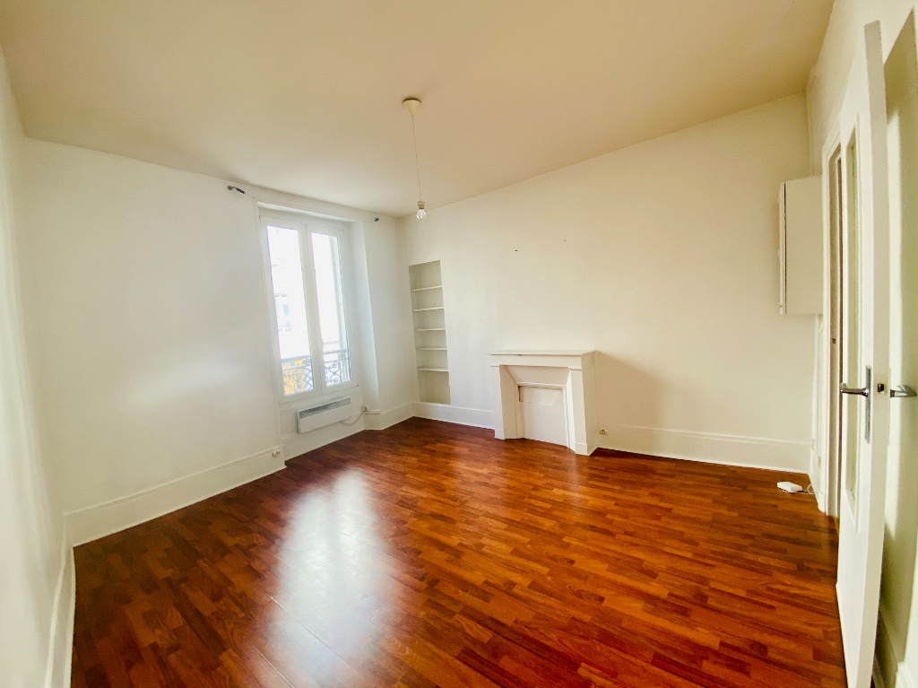 Appartement Paris 2 pièce(s) 35 m2 2