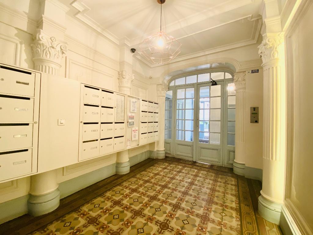 Rue Lamarck Paris 18 – 2 pièces meublé 53 m2 9