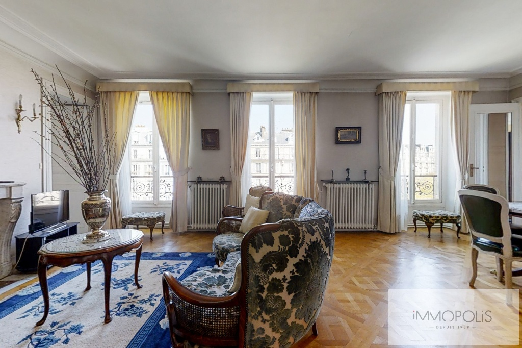 3/4 rooms of 87.06 m2 with open view – Place de la Nation 1