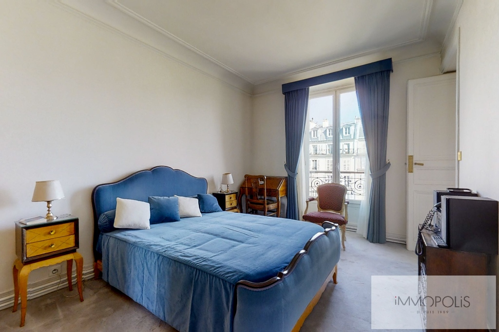 3/4 rooms of 87.06 m2 with open view – Place de la Nation 5
