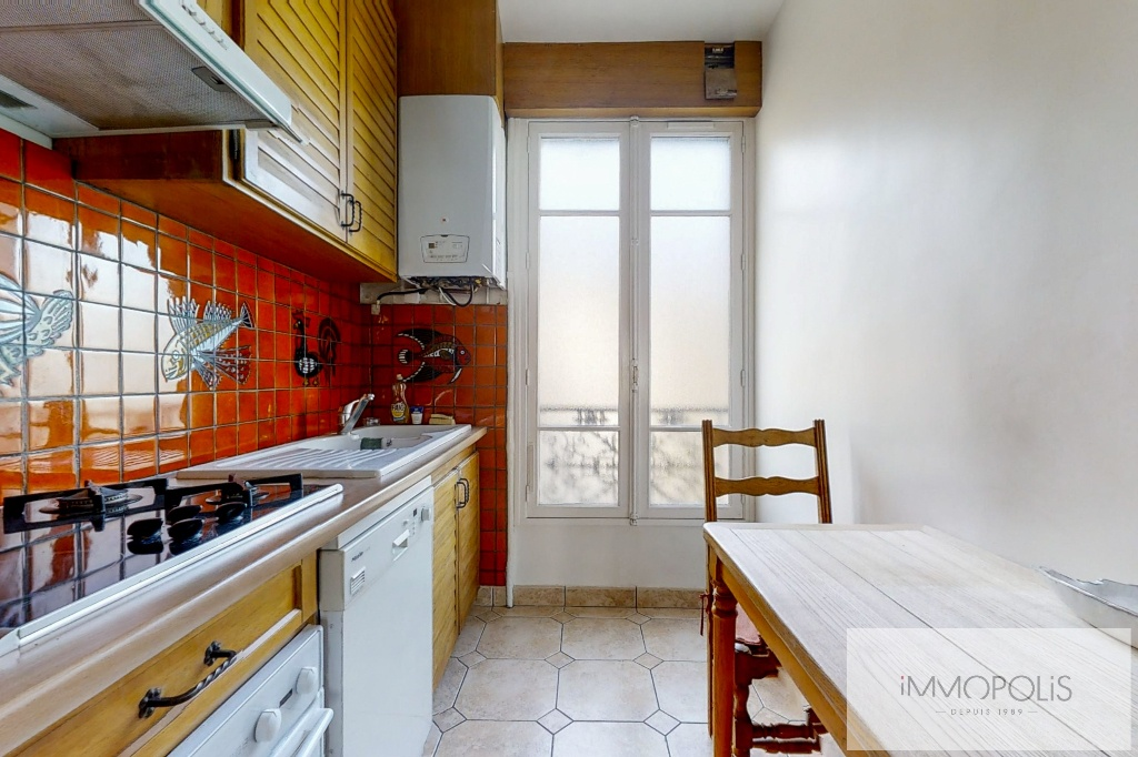 3/4 rooms of 87.06 m2 with open view – Place de la Nation 7