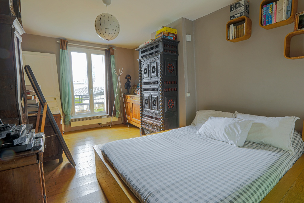 Rue Berthe two rooms of 29 m2 with open view facing south! 6