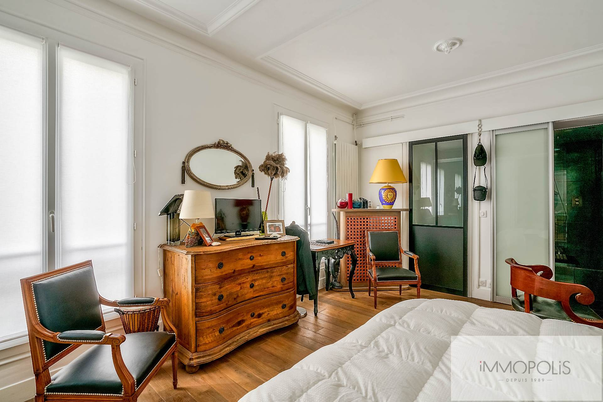 Abbesses, rue Constance: superb 3-room apartment (1 bedroom) on the 3rd floor with elevator: very nice amenities! 4