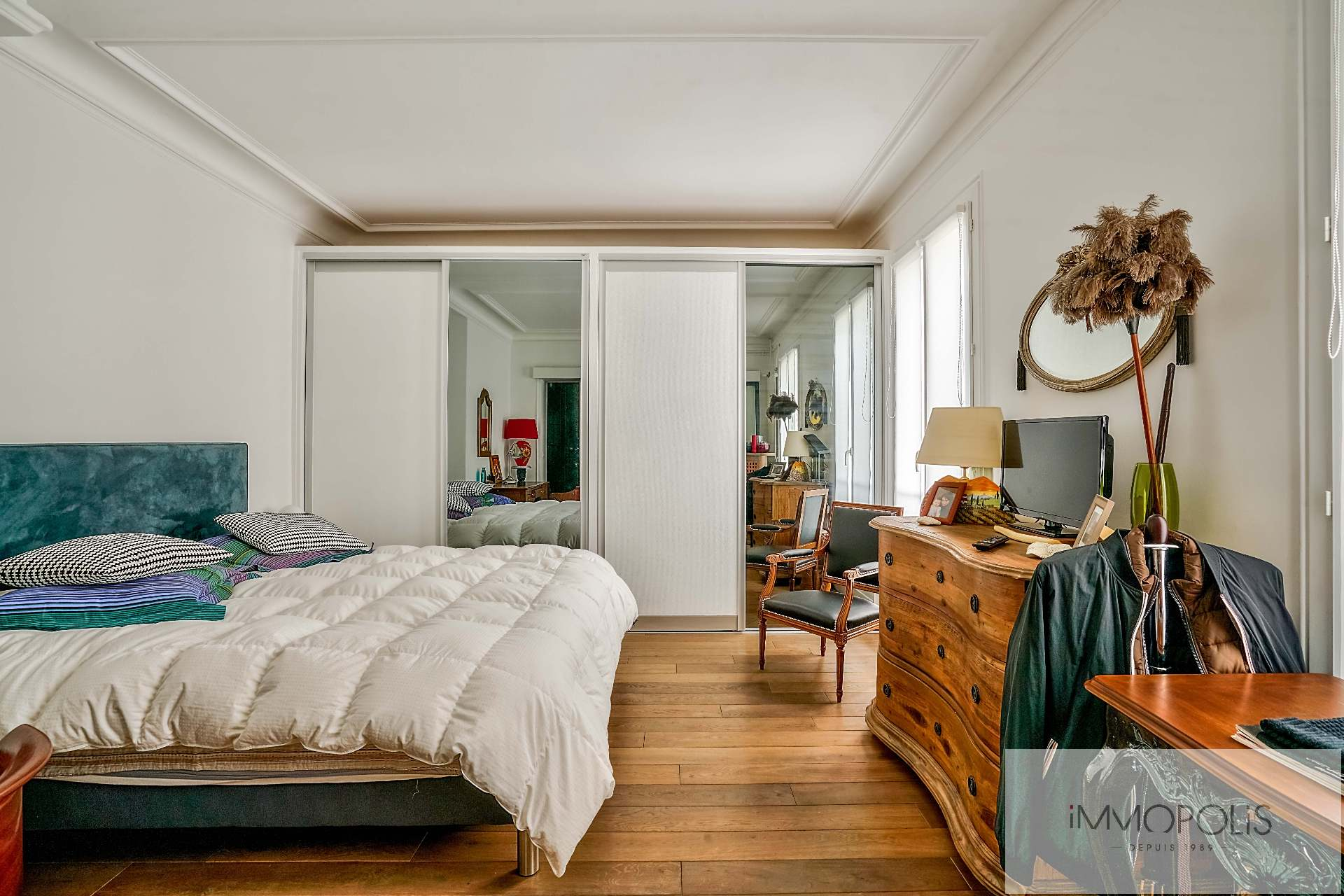Abbesses, rue Constance: superb 3-room apartment (1 bedroom) on the 3rd floor with elevator: very nice amenities! 5