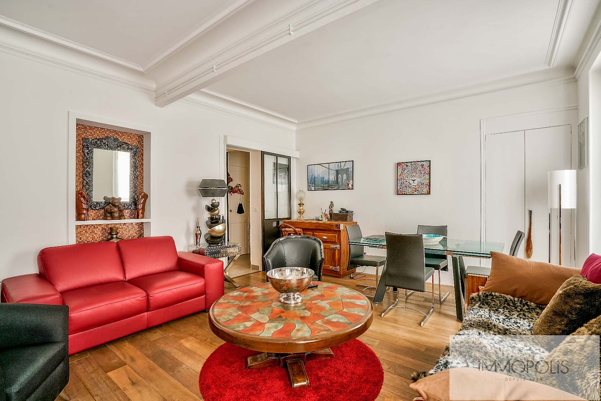 Abbesses, rue Constance: superb 3-room apartment (1 bedroom) on the 3rd floor with elevator: very nice amenities! 9