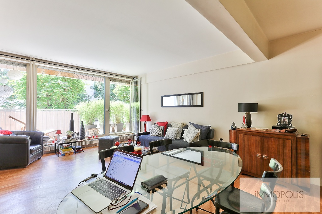 Huissiers district (near Pont de Neuilly): beautiful apartment crossing on a very quiet street and on gardens, with two terraces, cellar and parking! 1