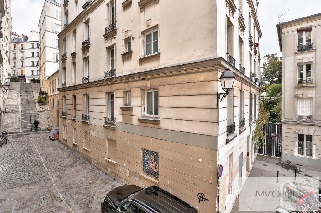 Rue Ravignan deux pièces de 32 m2 3