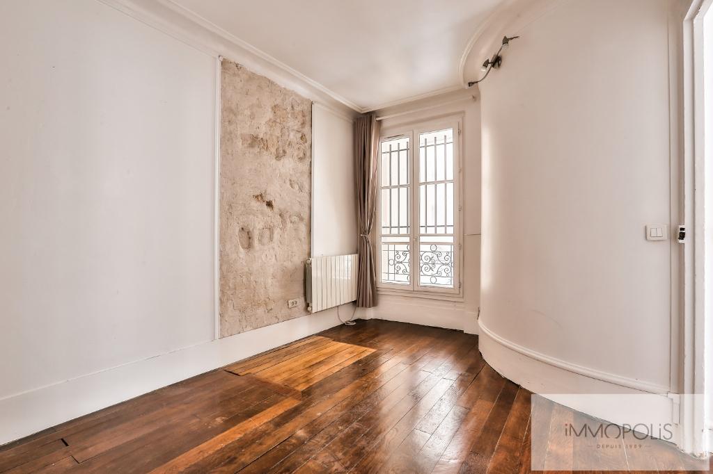 Rue Ravignan deux pièces de 32 m2 6