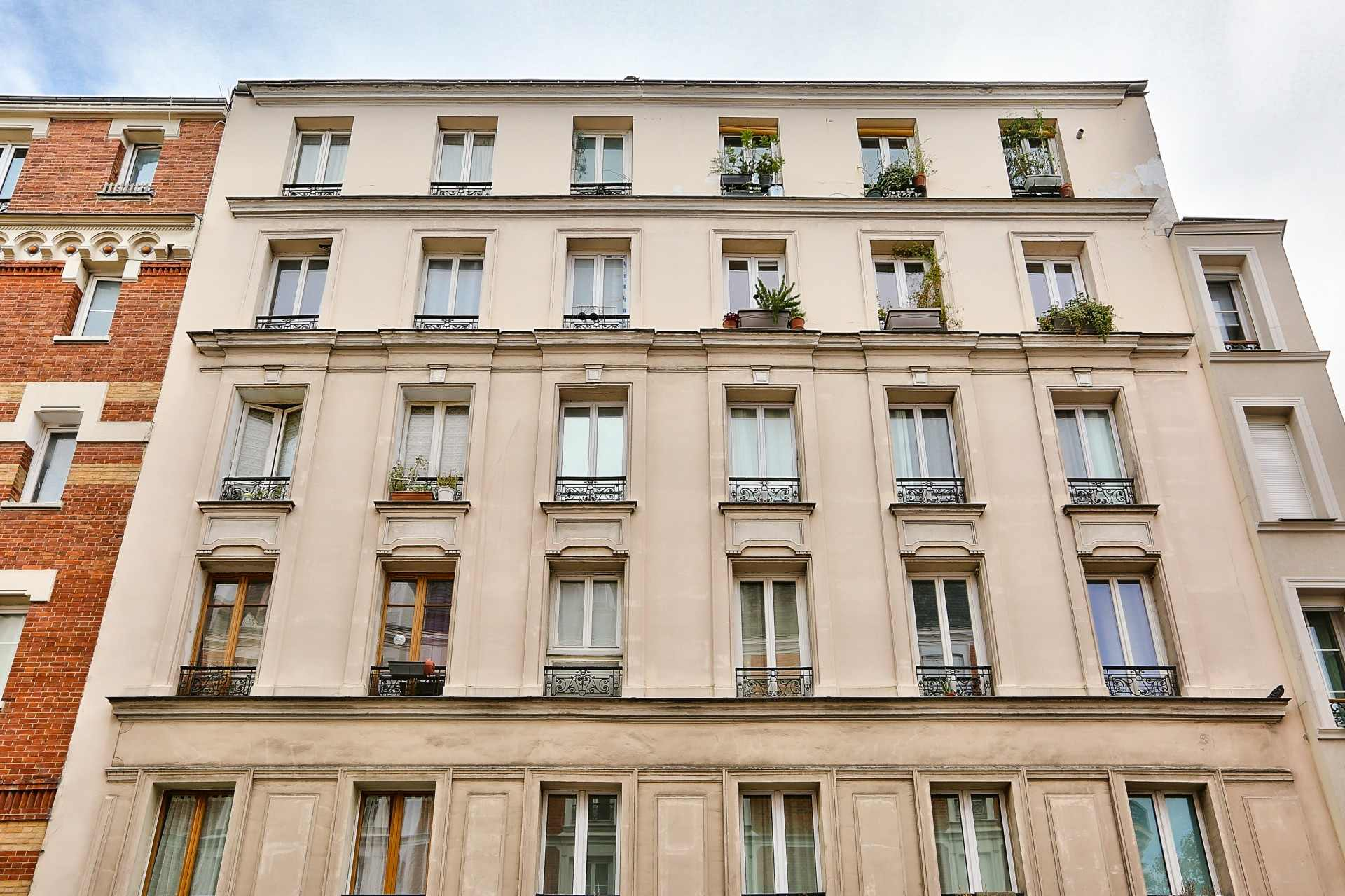 Rue Duhesme -Simplon, EXCLUSIVITY Beautiful 2 rooms on the LAST FLOOR 1