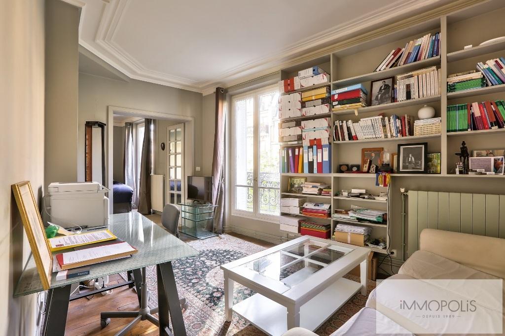 Exclusivity rue Caulaincourt-Paris apartment 2 rooms 41 m2 2
