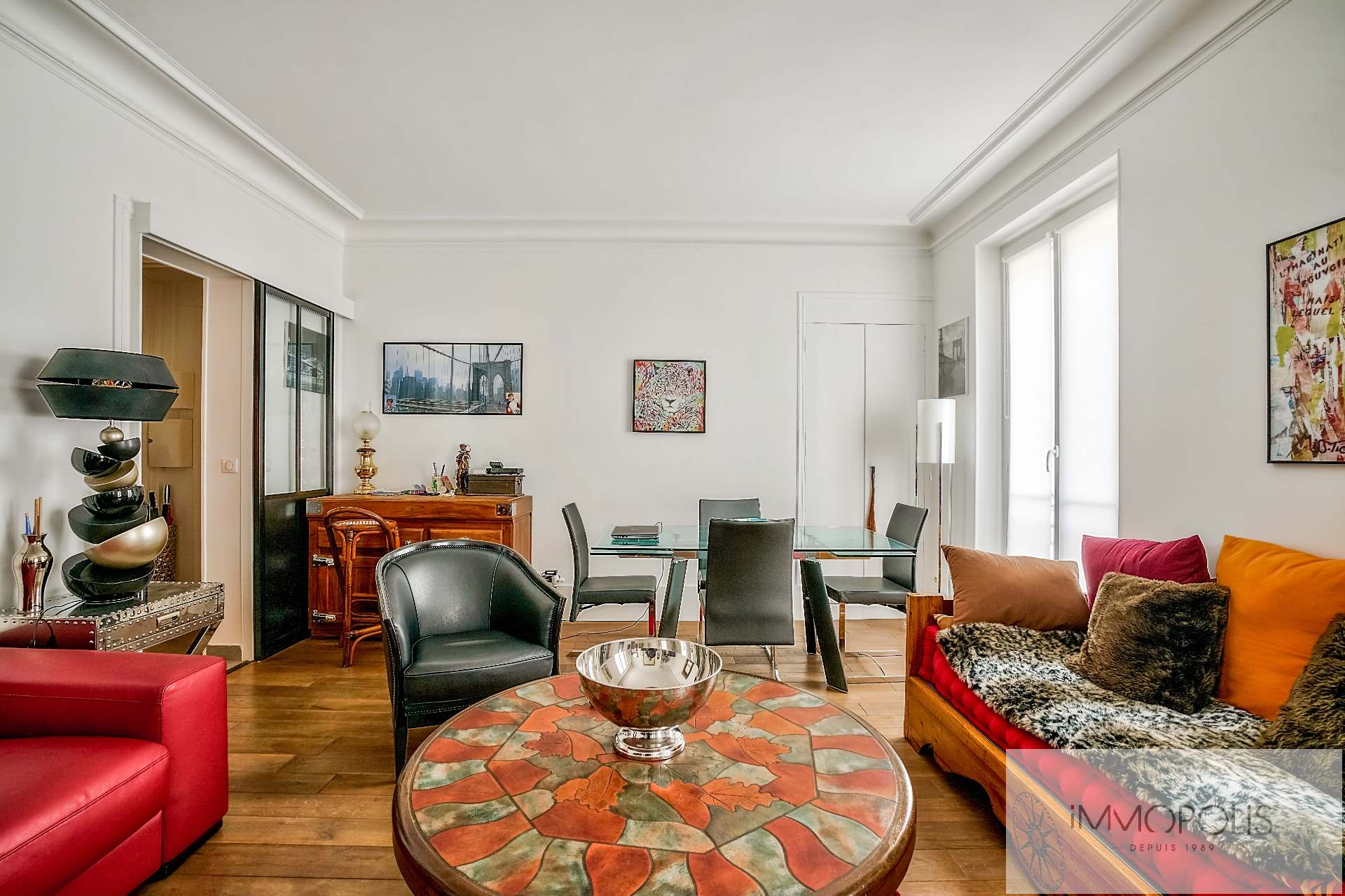 Abbesses, rue Constance: superb 3-room apartment (1 bedroom) on the 3rd floor with elevator: very nice amenities! 1