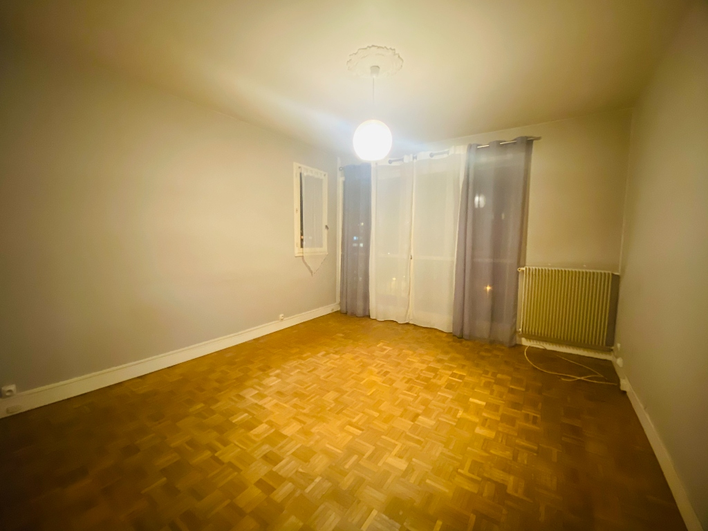 Appartement Villeneuve La Garenne 3 pièce(s) 55.47 m2 3