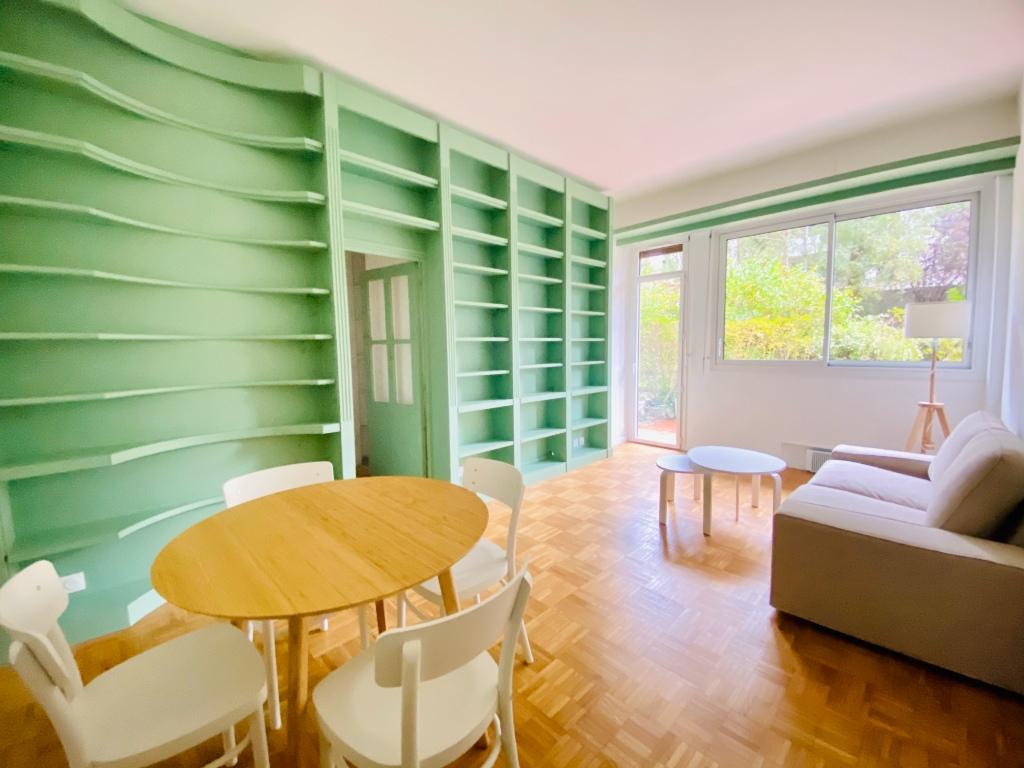 Paris apartment 2 room (s) 46 m2 1