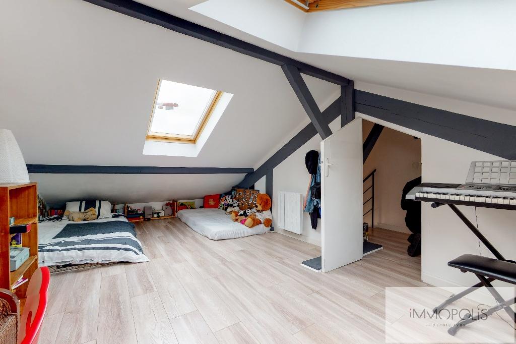 Clichy DUPLEX 124m² floor area – 82m² Carrez Law 14