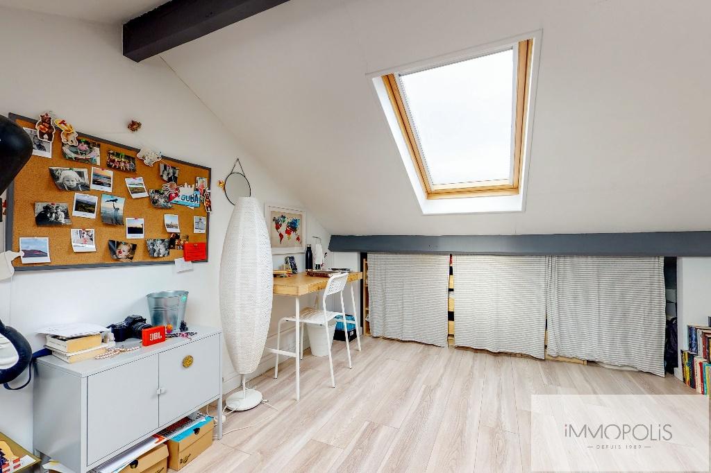 Clichy DUPLEX 124m² floor area – 82m² Carrez Law 16