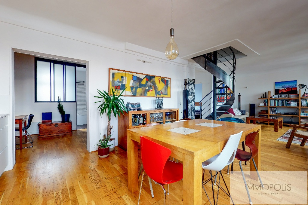 Clichy DUPLEX 124m² floor area – 82m² Carrez Law 2