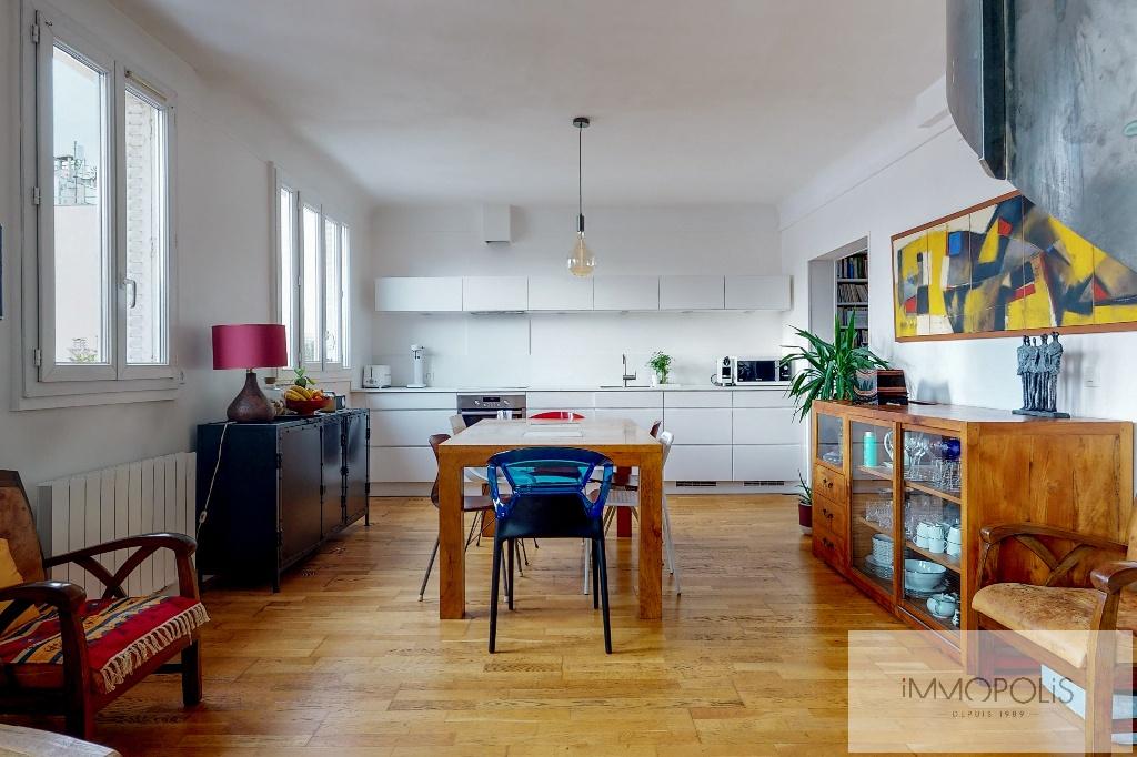 Clichy DUPLEX 124m² floor area – 82m² Carrez Law 5