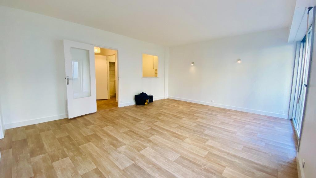 Appartement Paris 17 2 pièce(s) 49 m2 3