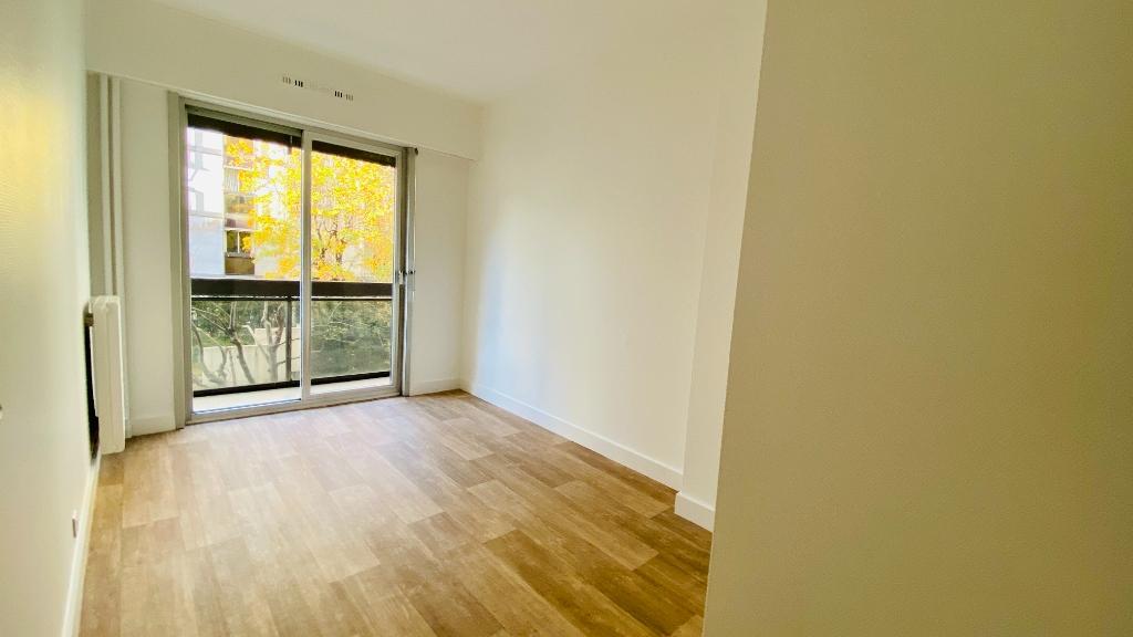 Appartement Paris 17 2 pièce(s) 49 m2 7
