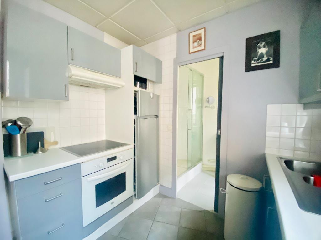 Montmartre 3 room (s) 70 m2 furnished 5