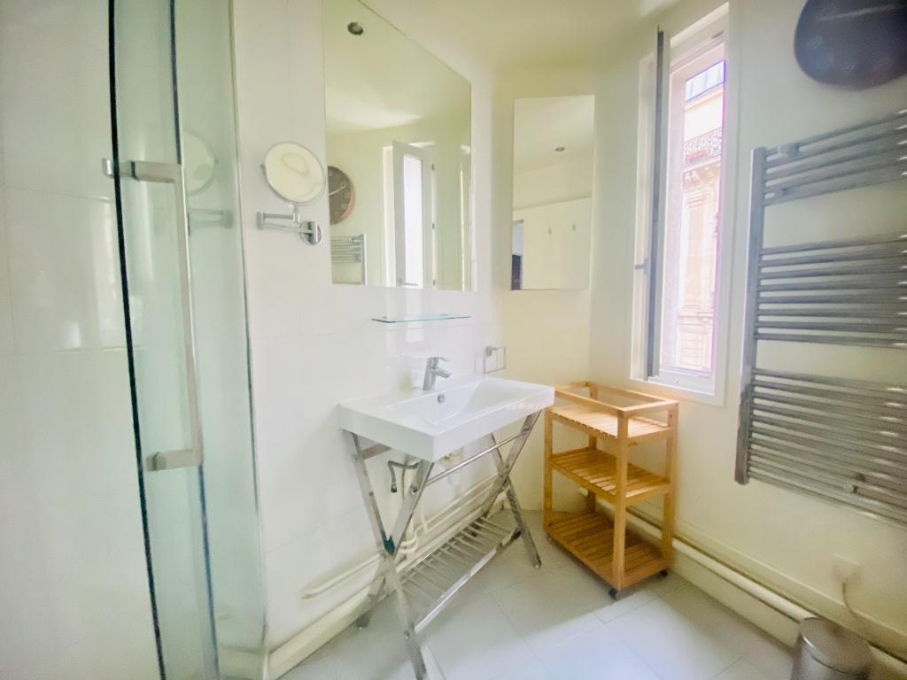 Montmartre 3 pièce(s) 70 m2 meublé 6