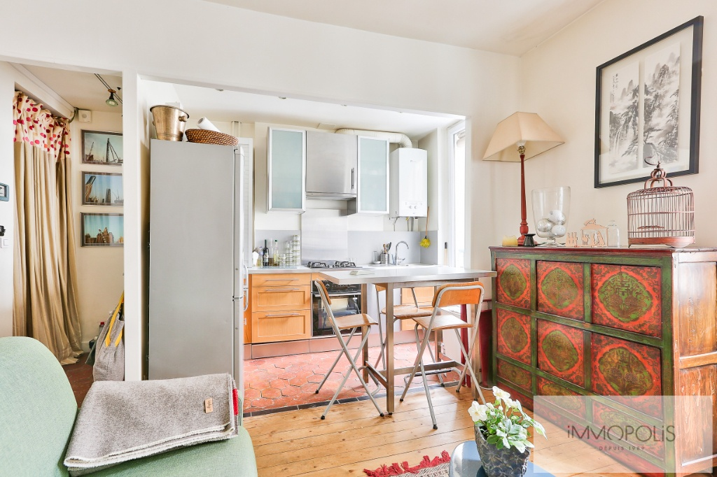 2 rooms 35 m² – large quarries area, Montmartre cemetery 3