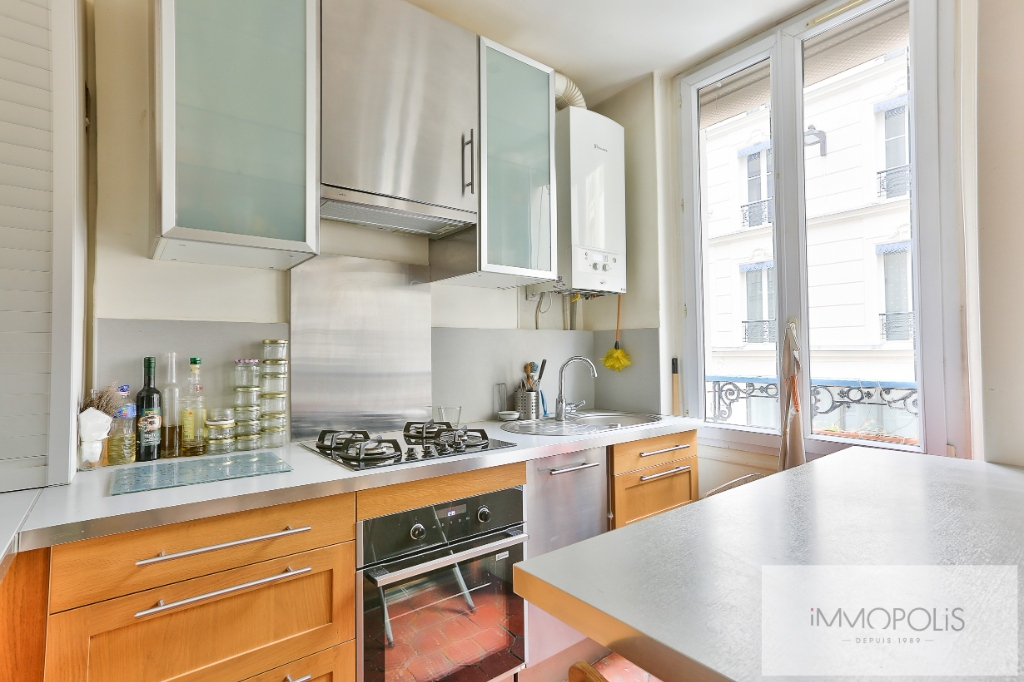 2 rooms 35 m² – large quarries area, Montmartre cemetery 4