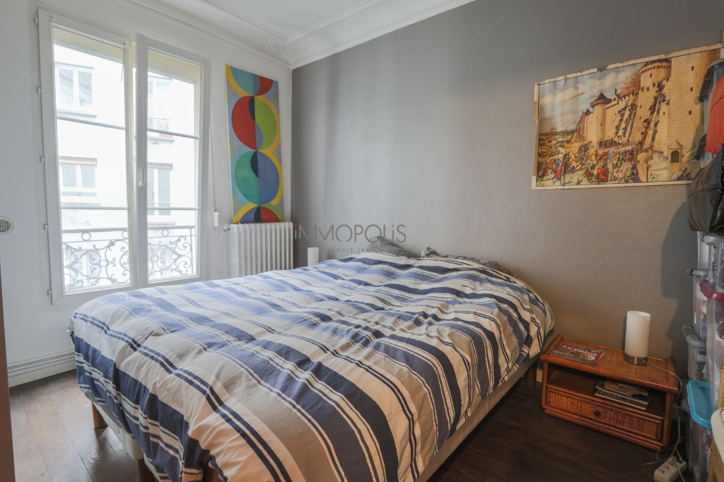 CHATEAU ROUGE – 2/3 ROOM APARTMENT WITH OLD CHARM 4