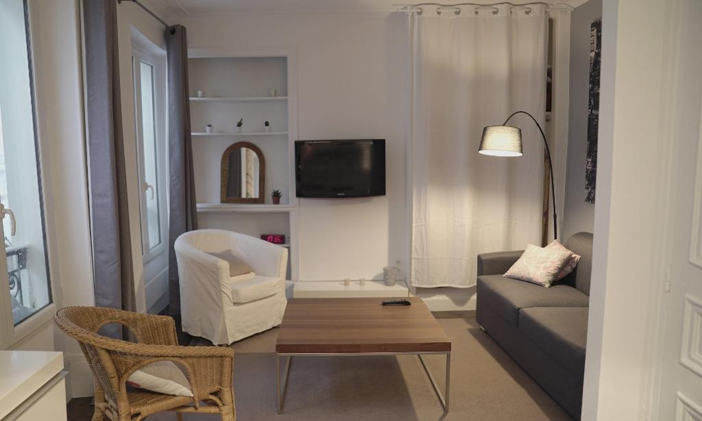 Paris apartment 1 room (s) 25 m2 5