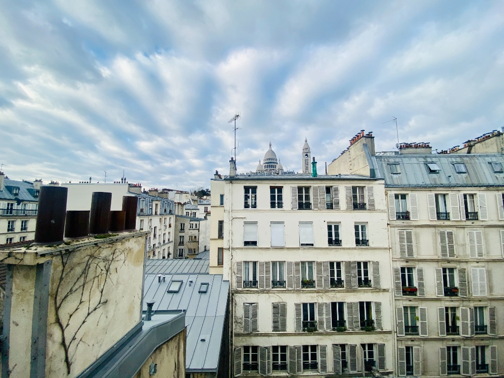 Paris apartment 2 room (s) 45 m2 1