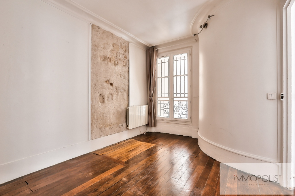 Rue Ravignan two rooms of 32 m2 6