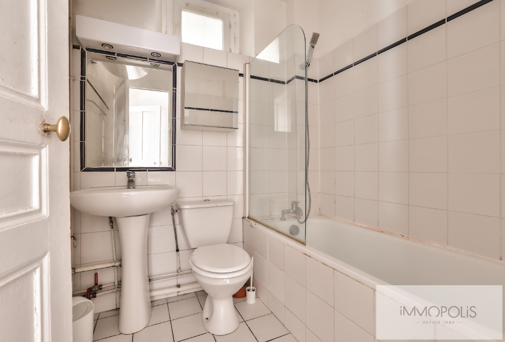 Rue Ravignan two rooms of 32 m2 7